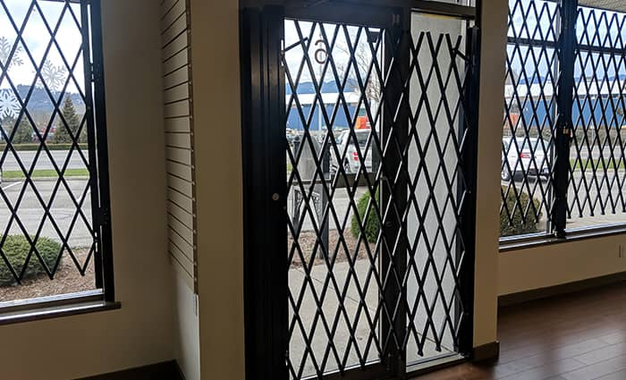 Door Folding Scissor Gates